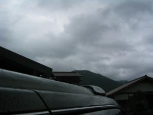 まーた雨です